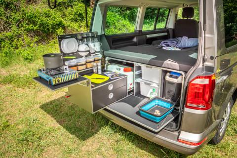 VW Multivan and California Beach camping module